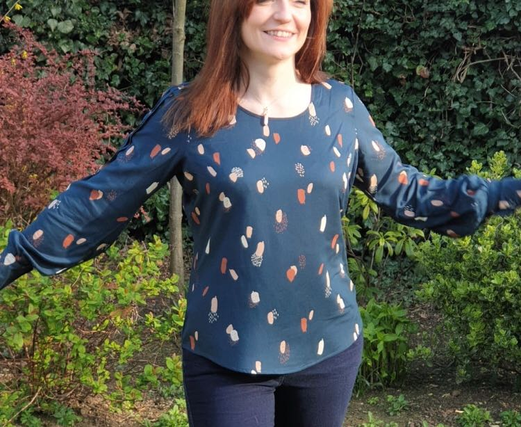 Josie Blouse : Experimental Space Patterns